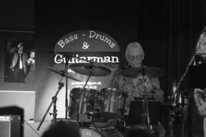 2018-08-11 Guitarman, Bass und Drums